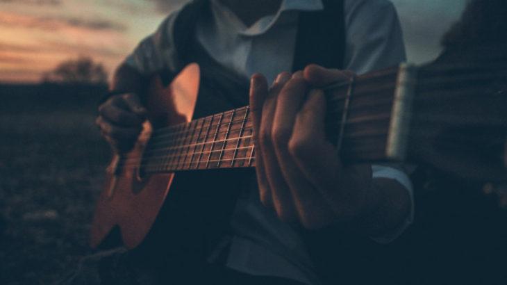 ギターインストでオススメの曲25選!【音楽マニア達に聞いてみた】アップテンポからスローまで